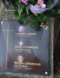 Cintorin_Jurdik_family.JPG